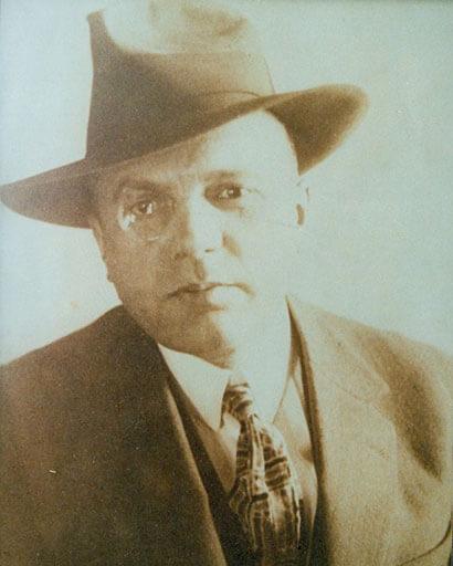 Dr Robert Edmund Forster